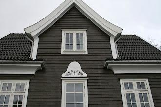 Photo: Flott stelt hus av eldre årgang