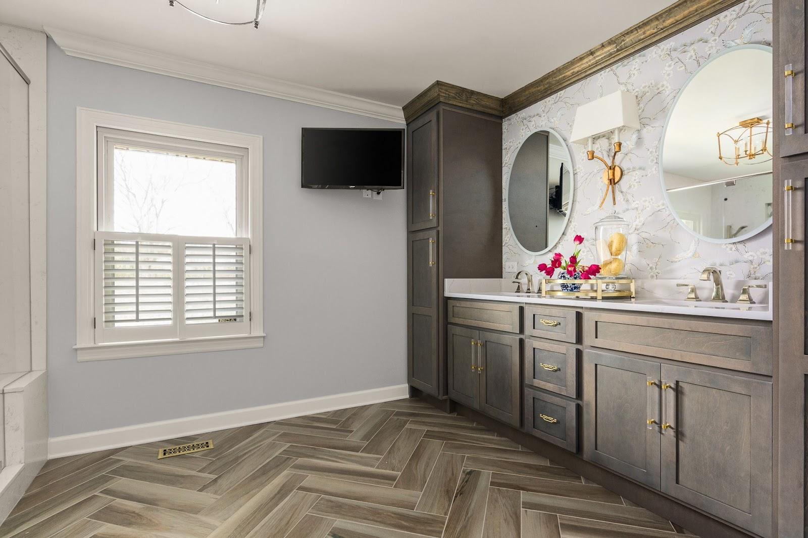 superior-construction-mt-juliet-tn-porcelain-vs-ceramic-master-bedroom-with-porcelain-floor-in-soft-wood-pattern