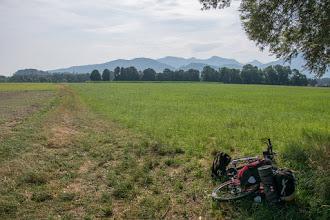 Photo: Gdzieś na tej drodze szutrowej przekraczam granicę z Niemcami. WTiefenbach przejeżdżam na drugą stronę Innu i przez niewielkie miejscowości jadę wyznaczoną trasą rowerową.