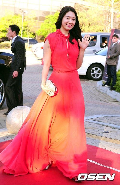 shinhye gown 50