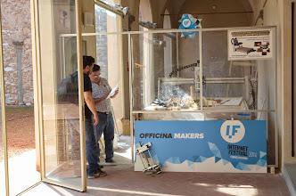 Photo: Stefano Puzzuoli Officina Makers autoproduzione e autopromozione il plotter 3D