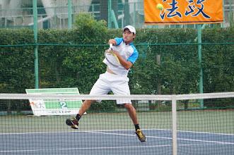 Photo: 大友(4年)は早稲田戦でインカレチャンピオンの今井選手に は惜しくも敗れたが、4勝を挙げNo.1に相応しい戦いを見せた。