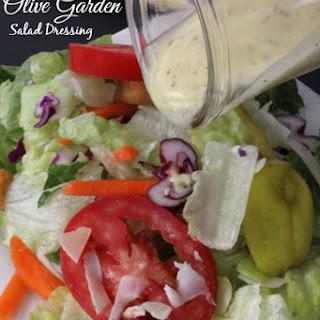 Copycat Olive Garden Salad Dressing Recipe!