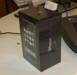 iphone-box.jpg