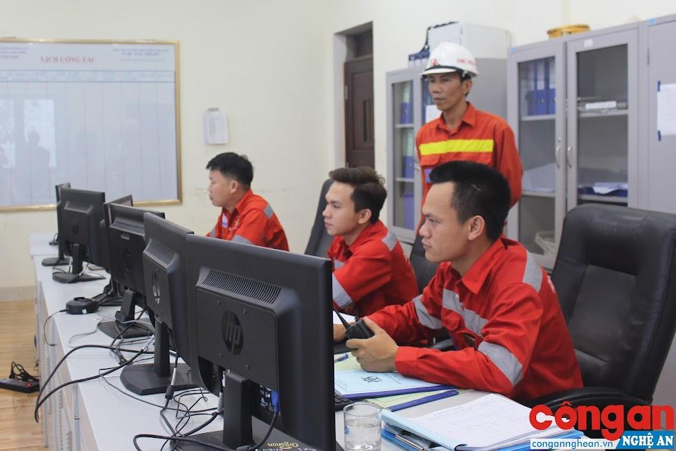 Cán bộ, công nhân Cảng biển quốc tế The Vissai với hệ thống làm việc hiện đại