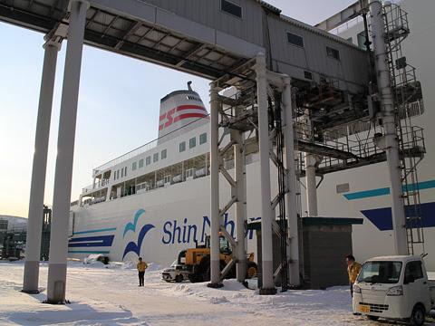 新日本海フェリー らべんだあ 小樽港にて_02