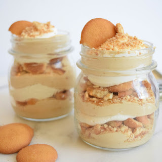 Mini Mason Jar Peanut Butter Cookie Parfaits.