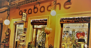 Azabache, arte floral, ahora más unidos que nunca.