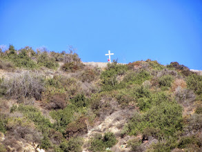 Photo: Zoomed-in view north from Garcia Trail toward the wooden cross on Azusa Peak