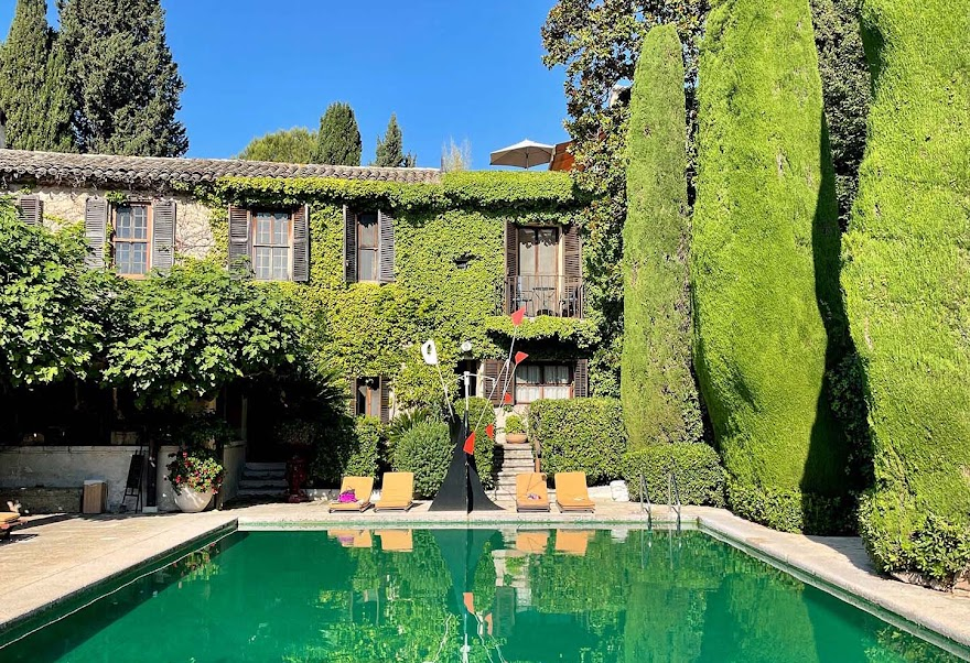 A Postcard From La Colombe d'Or