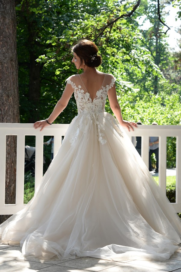 Wedding dress by Sasa Rajic Wedding Photography - Wedding Bride ( bride, wedding dress, wedding photography, wedding photographer, vencanje, wedding, srbija, mlada, vencanica, sasarajic )