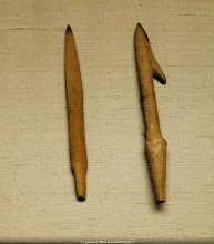 Photo: Fish spear and arrowhead (late 4th or 3rd millenium BCE). Excavated 1960 at Wu-Chiang, Kiang-Sou, China. Length: 16.5 cm