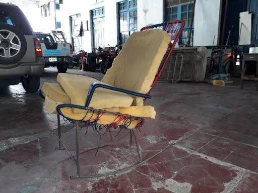 Foto de la silla embrujada en la delegación de policía de Puntarenas