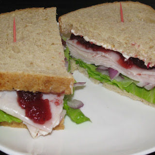 Turkey Cranberry Sandwich – 330 calories