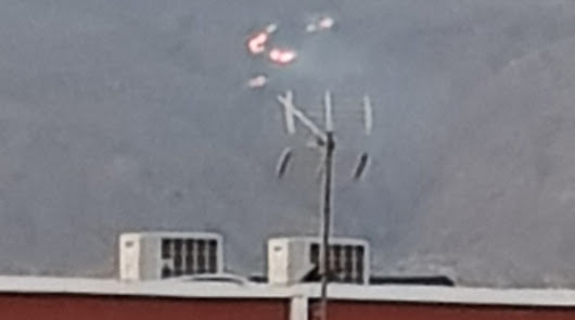 El inicio del fuego en la base militar de Viator. Foto: @TrikiEnfurecido