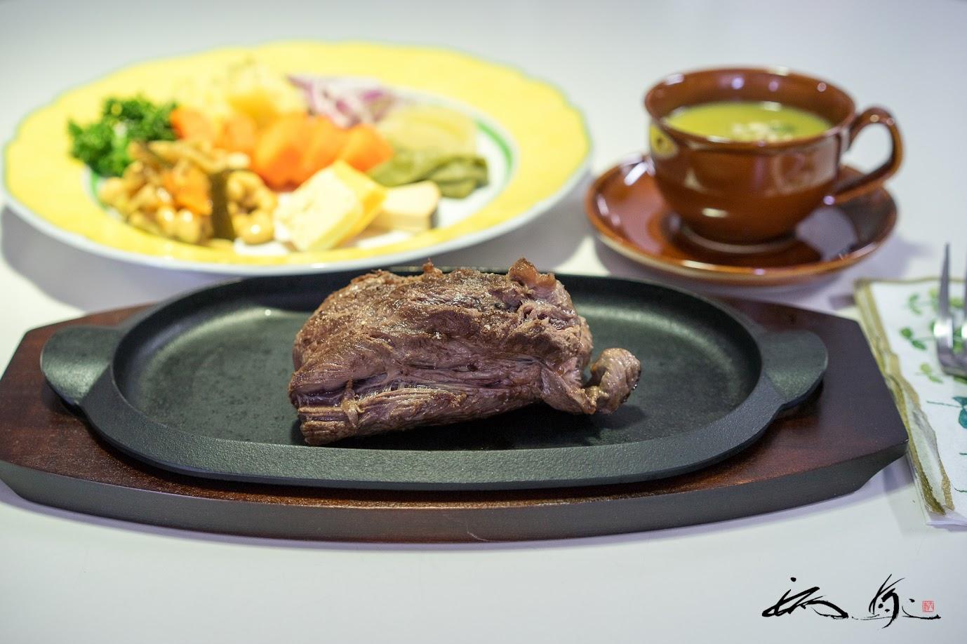 鹿肉ランプステーキ