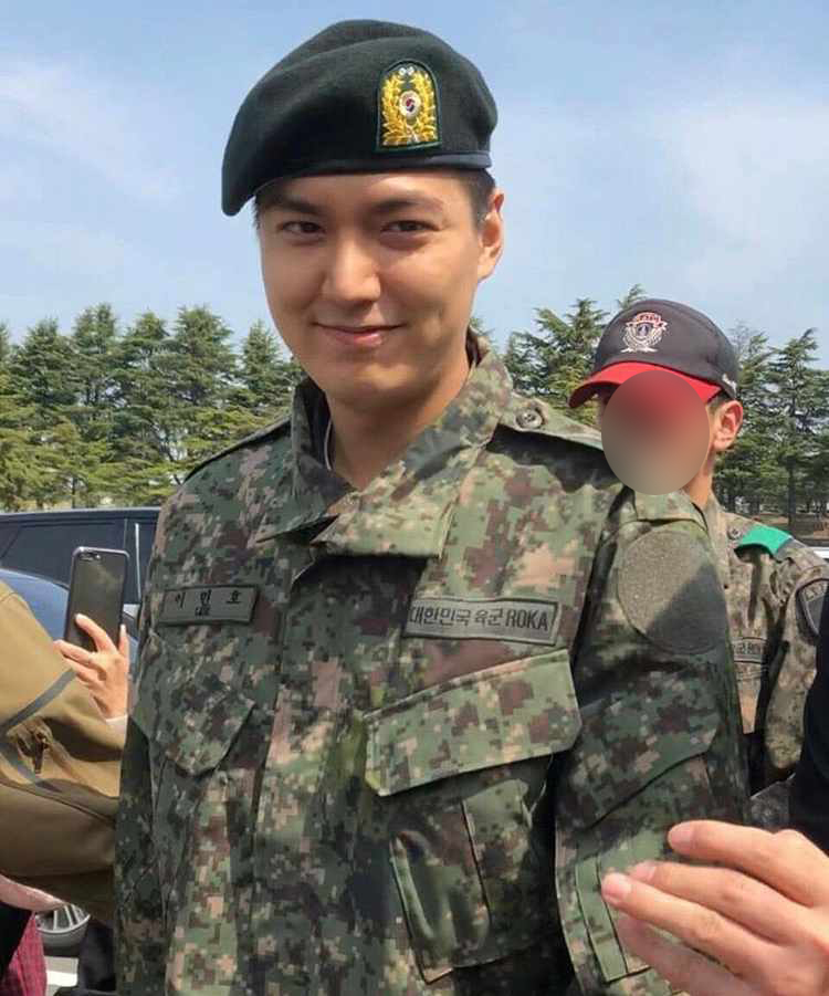 f2453930 Fans can now see Platoon Leader Lee Min Ho's latest photos, taken after the  actor completed his four-week basic training at the Korea Army Training  Center ...