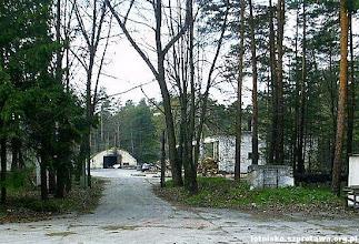 Photo: Wjazd na teren 4 strefy gdzie znajdował się magazyn głowic
