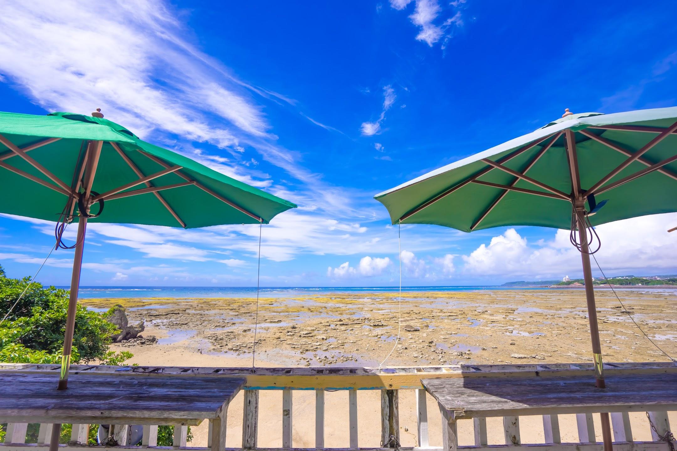 沖縄 新原ビーチ 浜辺の茶屋3