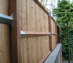 fencing repairs in worcestershire