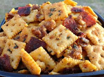 Nutty Candied Bacon & Honey Q Snacker Crackers