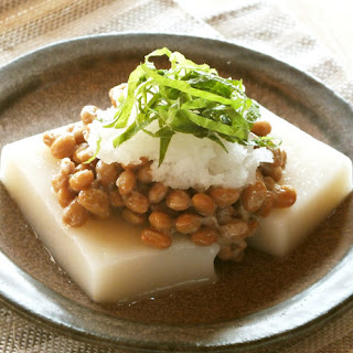 Mochi Rice Cakes with Grated Daikon Radish and Natto