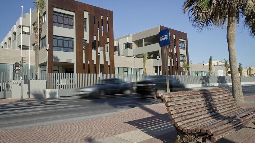 La residencia de El Zapillo es uno de los centros de evacuación.
