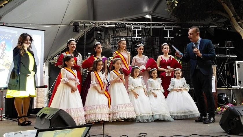 Gala de coronación de las Reinas de las Fiestas presentada por el cronista social de La Voz, Juan Antonio Barrios.