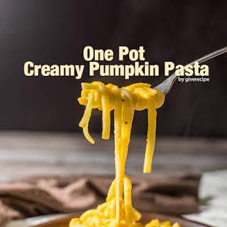 One Pot Creamy Pumpkin Pasta.