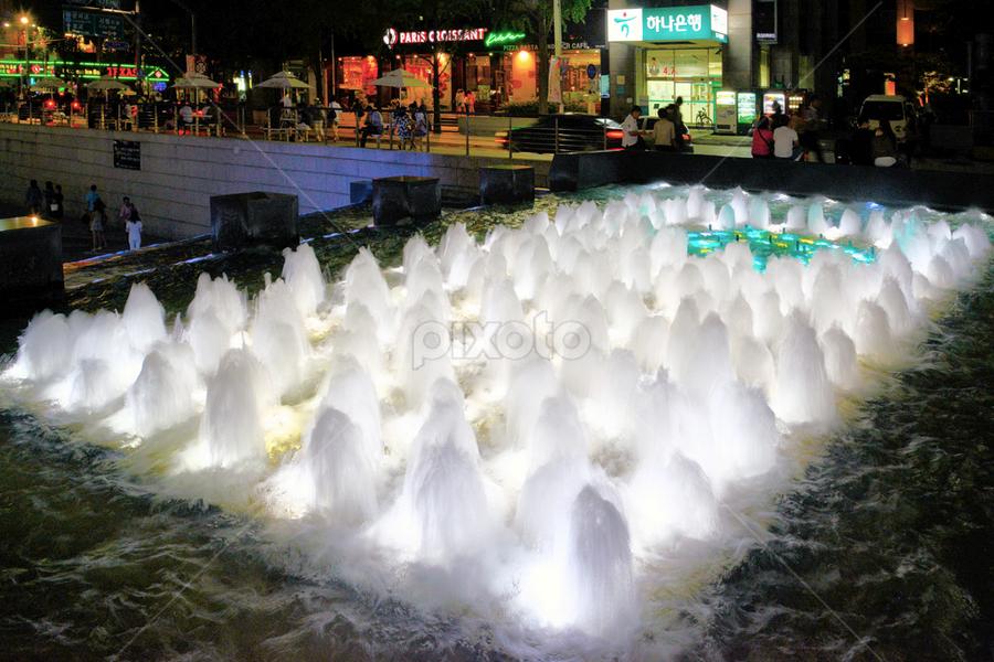Fountain at Cheonggyecheon Stream, Seoul by Lindra Hismanto - City,  Street & Park  Fountains ( lindra, cheonggyecheon stream, fountain, seoul, hismanto, korea )