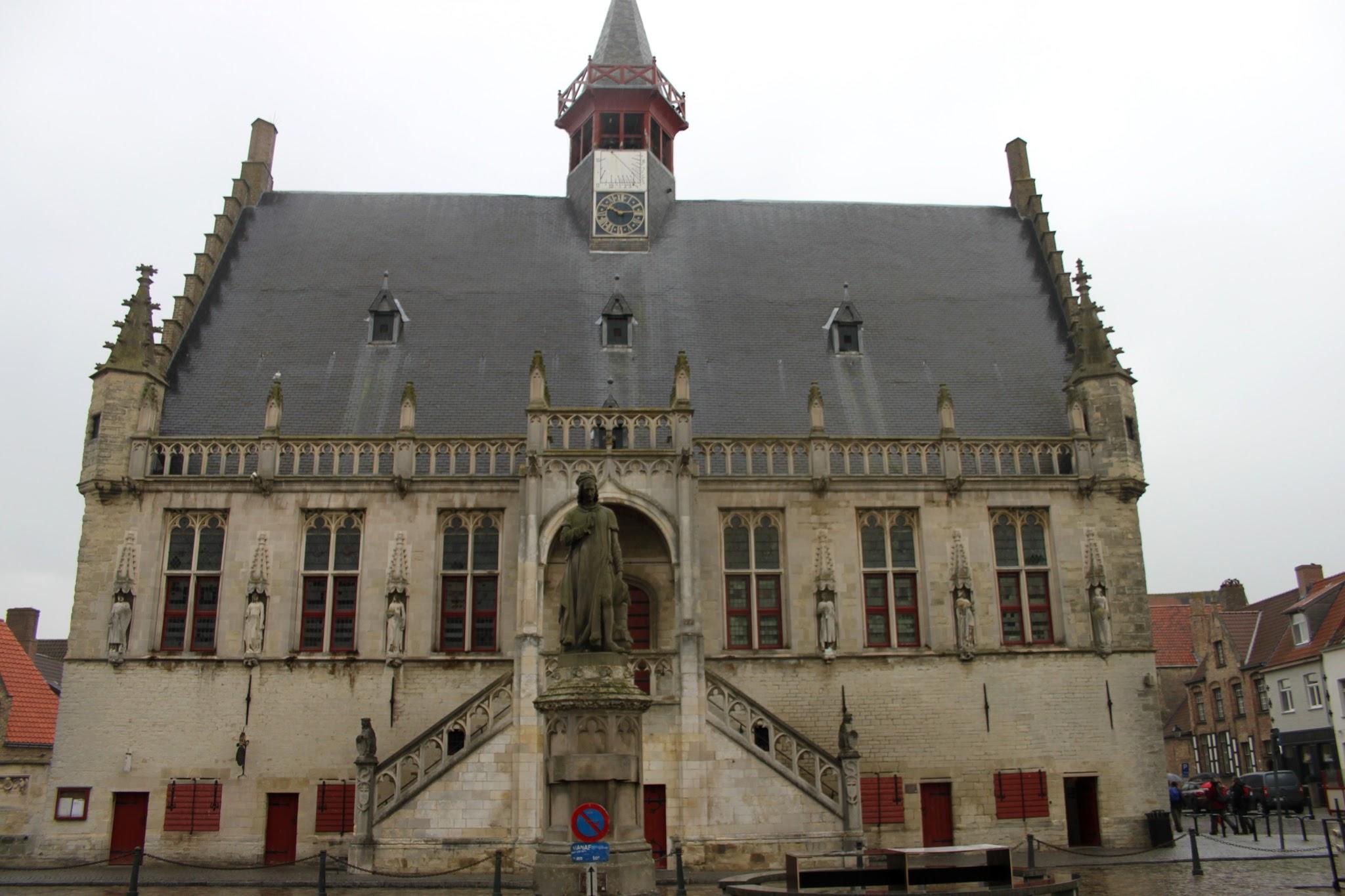 Photo: Het stadhuis van Damme ( 1464 - 1468 ) in gotische stijl