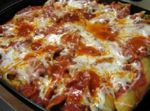 """Cream Cheese Stuffed Shells""""Very easy 123 step thing to make - family..."""