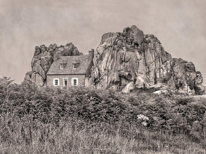 Una casa nella roccia di D. Costantini