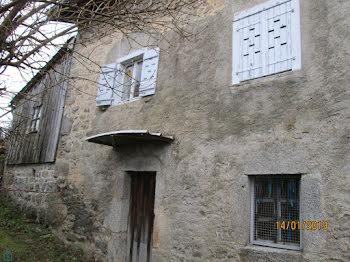 maison à Marat (63)