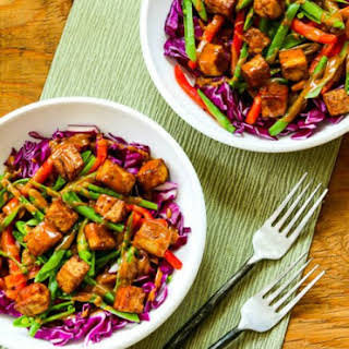 Vegan Red Cabbage Bowl with Tofu and Peanut-Sriracha Sauce.