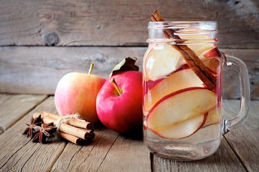 Cách làm Nước Detox táo và quế