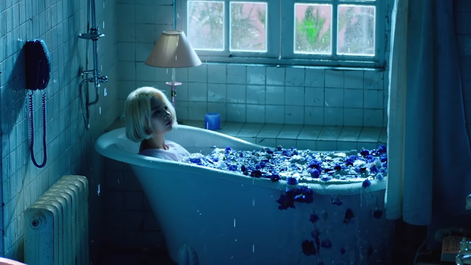 bathtub - ladies code the rain