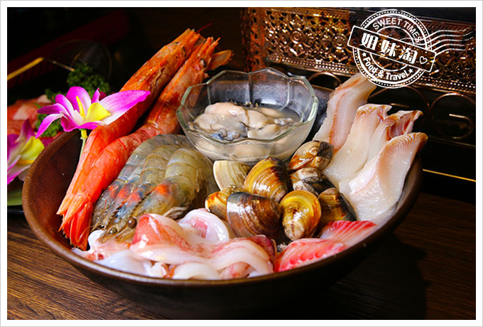 渝都重慶烤魚麻辣火鍋綜合海鮮拼盤