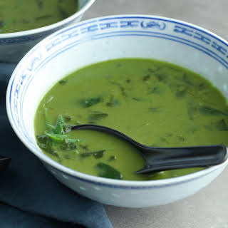 Thai Green Curry Spinach Soup (Paleo, Vegan).