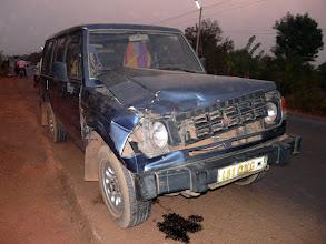 Photo: heureusement sans dégât corporel. Le véhicule sera immobilisé quelques jours pour réparations indispensables, ceci à cause d'un.....