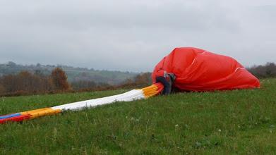 Photo: Dégonflage et reconditionnement du ballon après l'atterrissage