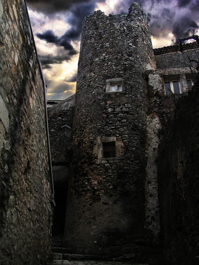 La torre dei draghi di cikk_d_panculin