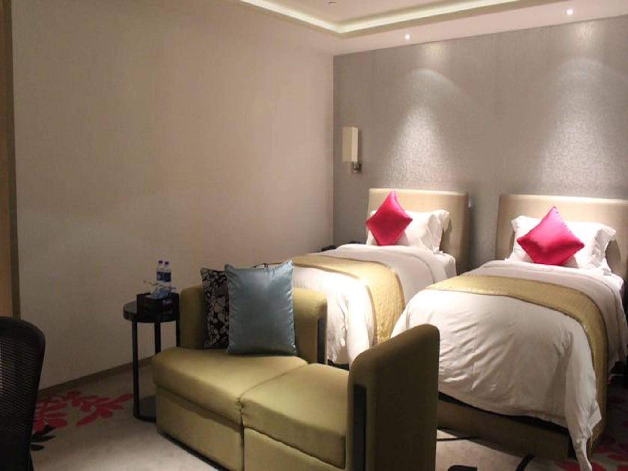 The V Hotel Of Wongtee Shenzhen
