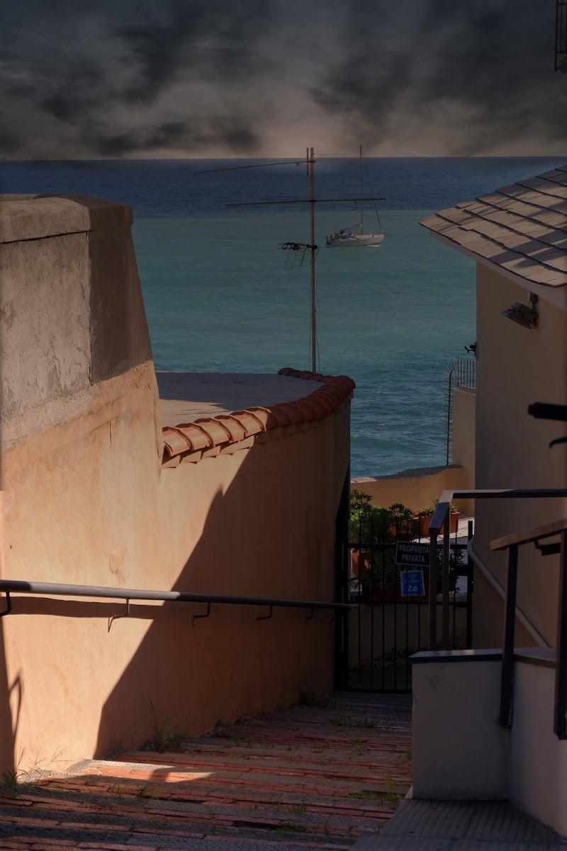Discesa al mare Boccadasse Genova di Merlograziano