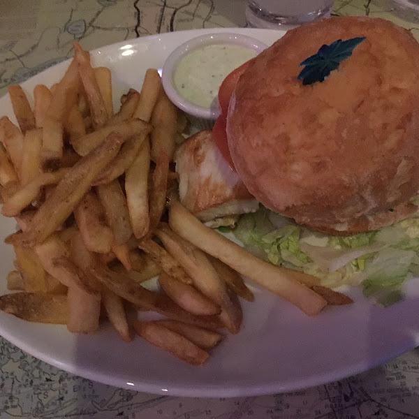 Fish sandwich on GF bun with GF fries.