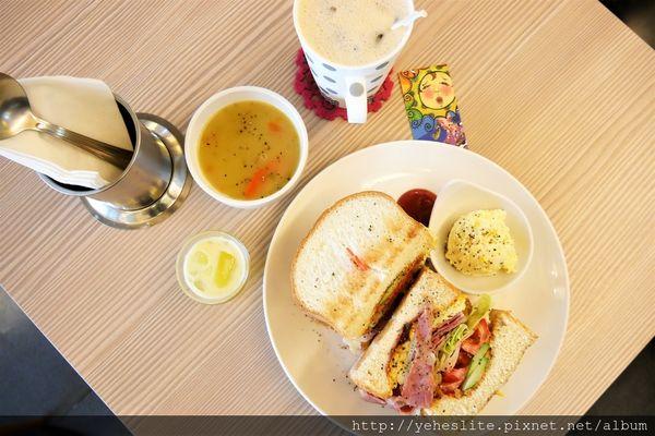 GO Stay Dining Room 早午餐- 飄香的咖哩濃湯之處有著份量滿滿的早安晨食