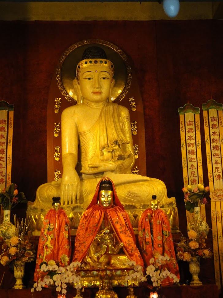 Bouddha au Temple de Jing'an à Shanghai