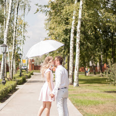 Wedding photographer Oksana Orlovskaya (oxana777m). Photo of 31.10.2014