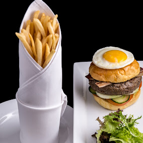 Beef Burger by Lefri Kristianto - Food & Drink Plated Food
