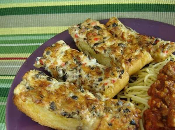 This Bread Goes Well With Your Favorite Pasta Dishes!  Yum!